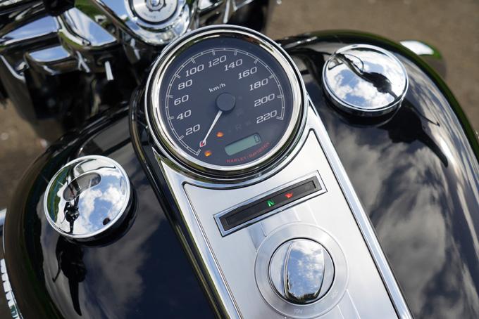 ハーレー2021年モデルの「FLHR ロードキング」を試乗インプレ!リッチなスタイルと乗り味はツアラーの指標の13画像