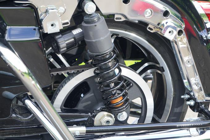 ハーレー2021年モデルの「FLHR ロードキング」を試乗インプレ!リッチなスタイルと乗り味はツアラーの指標の19画像