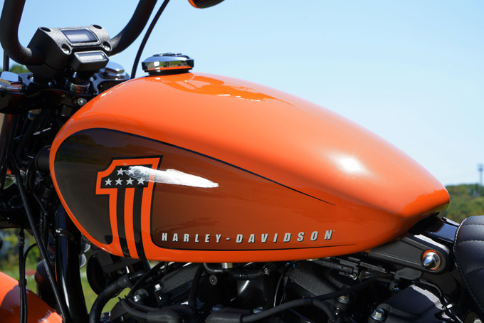 ハーレー2021年のヒーローモデル「FXBBS ストリートボブ114」を試乗インプレ!乗る者を魅了する走りの素質と佇まいの17画像
