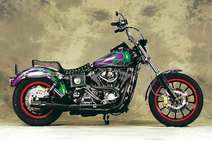 2000 FXDL / MOTORCYCLE FORCE CYCLEのカスタムショー車両の画像