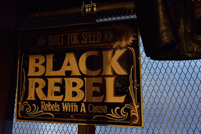注目のRUDE GALLERY BLACK REBEL 2015 S/Sコレクション「PAINT IT BLACK REBEL」 。