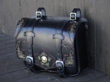 ハーレーサドルバッグのフルカスタム ラフテールのプレミアムライン ブロンコの画像