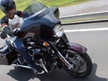 ハーレーダビッドソン2011年モデル CVO FLHXSE2の画像