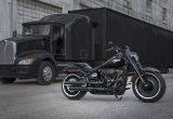 【ニューモデル速報】世界限定2,500台となる漆黒のファットボーイ30周年記念モデルが発売!さらにロードグライドスペシャルのニューカラーに、CVOロードグライドが復活の画像